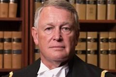 Thẩm phán từ chức vì hỏi sốc nạn nhân hiếp dâm