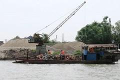 Đình chỉ 3 thanh tra giao thông trong vụ khai thác cát Bắc Ninh