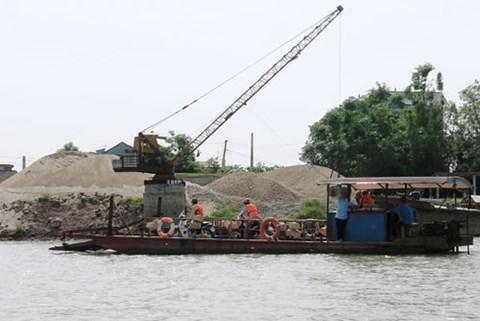 Chủ tịch tỉnh Bắc Ninh bị đe dọa, khai thác cát trái phép, sông cầu, bắc ninh, đình chỉ công tác, thanh tra giao thông bị đình chỉ công tác
