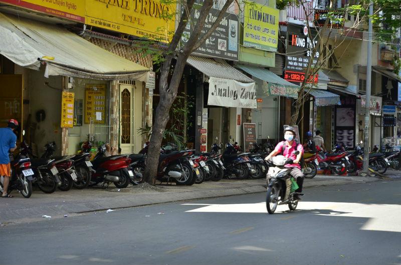 dùng súng truy sát người ở Sài Gòn, hiện trường vụ truy sát làm 1 người trọng thương, truy bắt các đối tượng truy sát ở trung tâm Sài Gòn