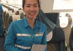 Nữ nhân viên hàng không trả lại gần nửa tỷ cho khách