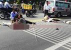 Ô tô đi đám cưới đối đầu xe đầu kéo, 2 người tử vong
