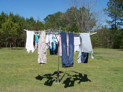 trời nồm ẩm, mẹo phơi quần áo, mẹo giữ khô nhà ngày nồm ẩm