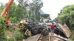 Tàu hỏa tông xe tải 2 người chết: Nhân viên quên đóng gác chắn