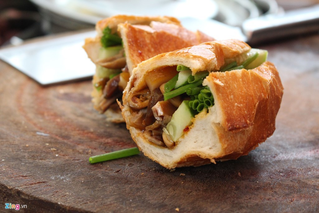 bánh mì, bánh mỳ, đông khách, xếp hàng, TP.HCM, Sài Gòn
