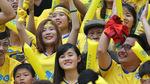 """Hàng nghìn fan nữ Thanh Hóa """"đốt cháy"""" Hàng Đẫy"""