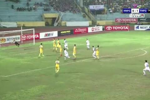 Thành Trung gỡ hòa 1-1 cho Hà Nội FC 80'