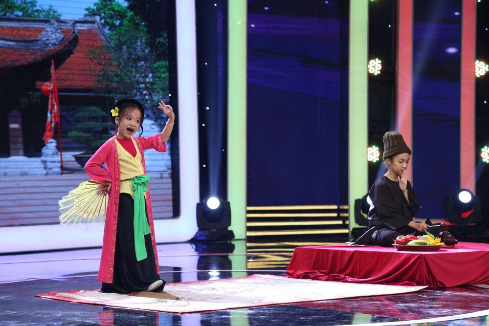 Tài năng khó tin của 'Ca nương nhỏ tuổi nhất Việt Nam'