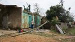 Mưa đá hiếm thấy, hàng trăm nhà bị hư hỏng