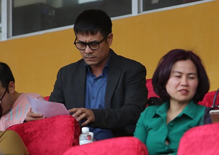 HLV Hữu Thắng, V-League, Nguyễn Văn Mùi, trọng tài V-League