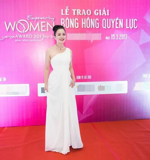 Diễn viên Chiều Xuân, MC Thanh Mai đẹp quyến rũ ở tuổi U50
