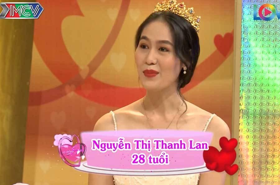 Anh chồng 'mít ướt' khiến MC Hồng Vân cười té ghế