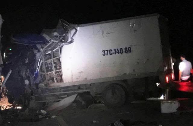 tai nạn giao thông, xe khách đấu đầu xe tải