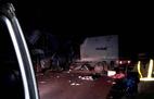 Xe khách đấu đầu xe tải trên đường Hồ Chí Minh, 11 người thương vong