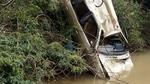 Xế hộp lao xuống sông, tìm thấy 1 thi thể