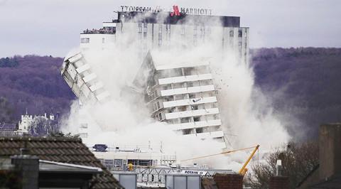 đánh sập tòa nhà bằng 250kg thuốc nổ