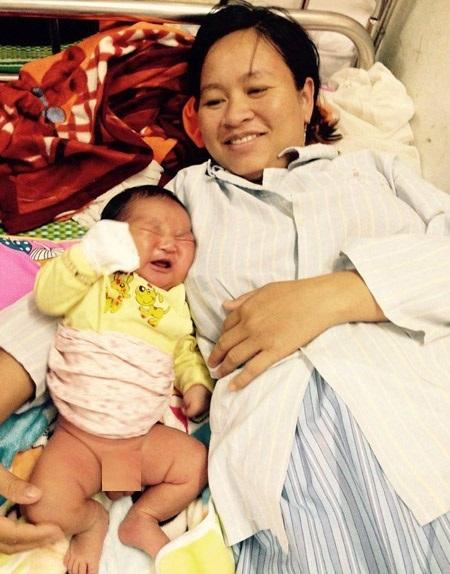 Sản phụ sinh con 6,1kg, ở Nghệ An, bác sỹ mổ bắt con