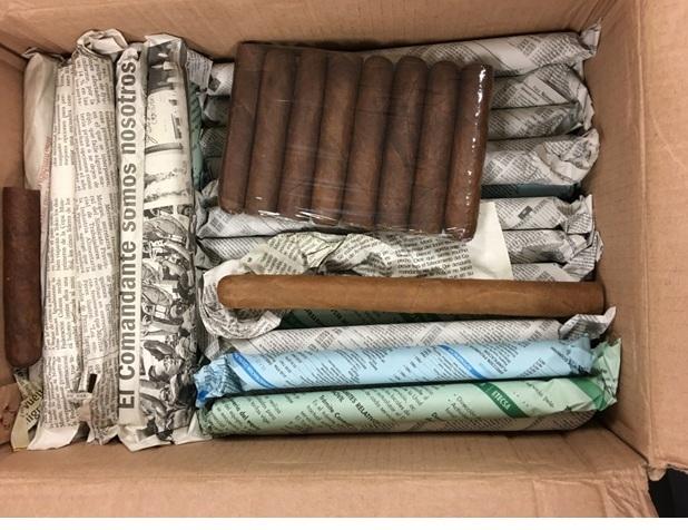 Buôn lậu 17.000 điếu xì gà Cu Ba về Việt Nam