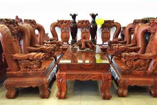 Bộ bàn ghế trắc đỏ quý hiếm: 18 tháng kỳ công chế tác
