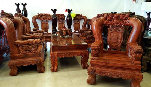 Bộ bàn ghế gỗ trắc quý hiếm, Bộ bàn ghế gỗ trắc lớn nhất viêt nam