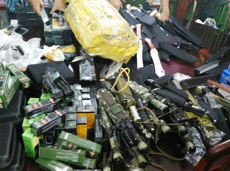 đường dây mua bán súng điện ở Sài Gòn, bắt băng nhóm buôn bán vũ khí, mua bán súng trên mạng xã hội