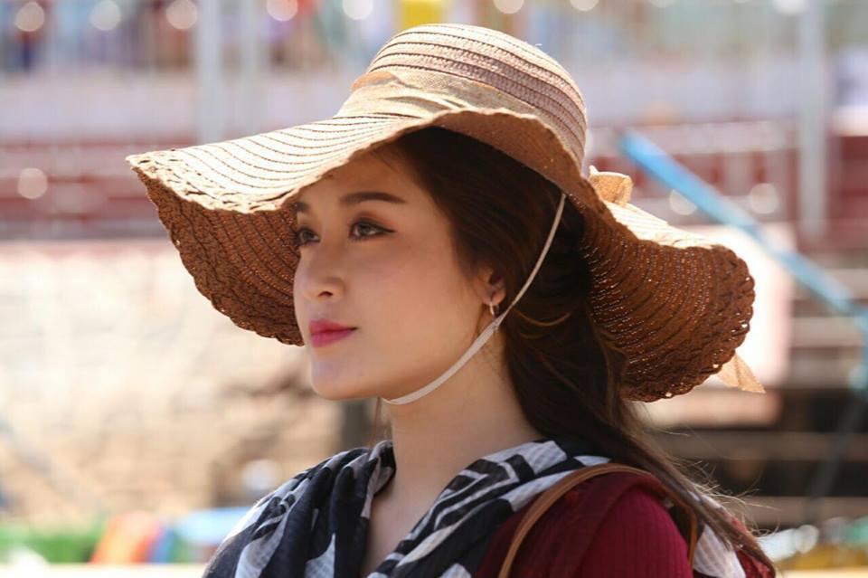 Chuyện hậu trường đóng phim của Huyền My ở nước ngoài