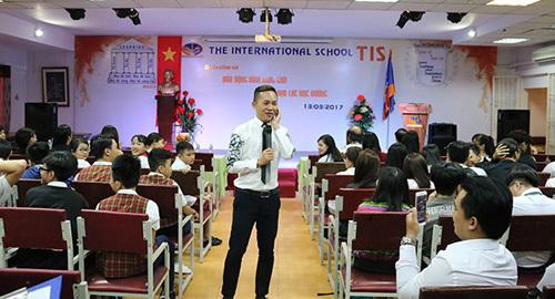 Thầy Khắc Hiếu chia sẻ bí quyết tránh bạo lực học đường