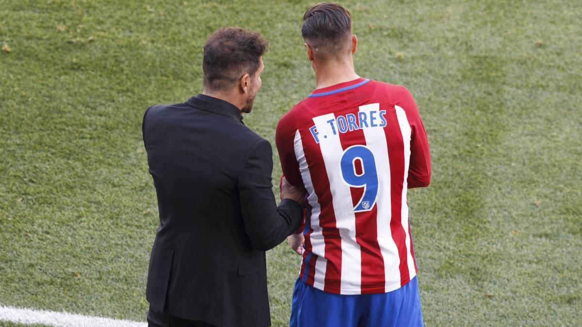 MU gặp đối thủ cứng, Buffon từ chối Barca vì Juve