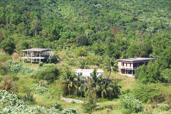 Những dãy biệt thự hoang tàn trên bán đảo Sơn Trà