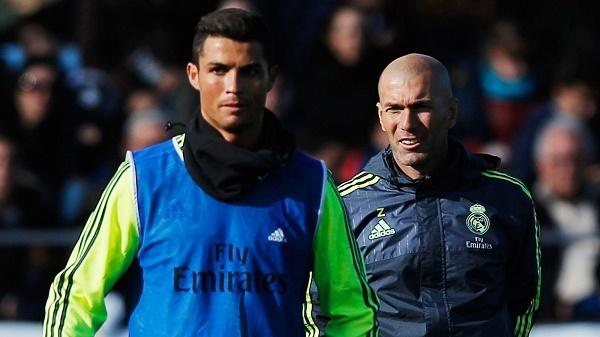 Mourinho réo gọi Willian, Zidane 'xử' Ronaldo tới bến