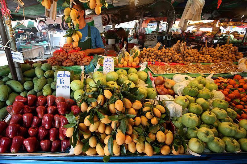 thực phẩm bẩn, thực phẩm ngoại, vệ sinh an toàn thực phẩm, người Việt, sính ngoại