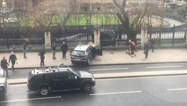 Súng nổ bên ngoài tòa Quốc hội Anh, thương vong lớn