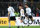 """Podolski """"bắn đại bác"""", Đức đánh bại tuyển Anh"""