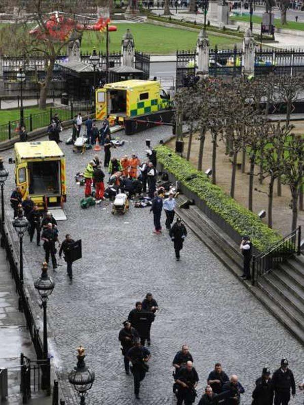 Khủng bố ngoài quốc hội Anh: 5 người chết, 40 người bị thương