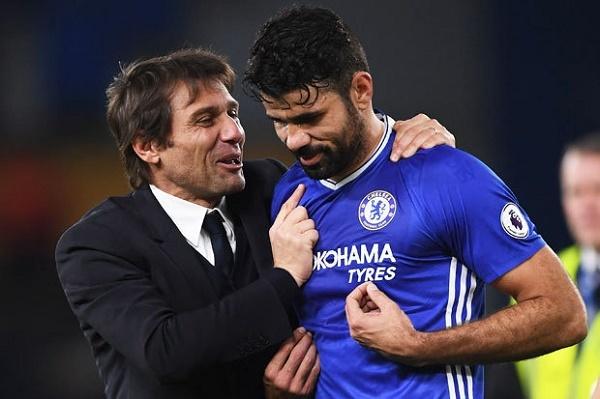 Sir Alex xúi Mourinho chơi liều, Costa 'gây hấn' Conte