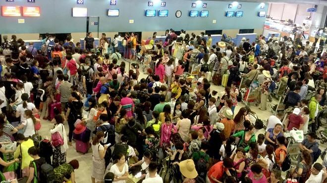 Du khách Trung Quốc đổ đến Khánh Hòa tăng đột biến