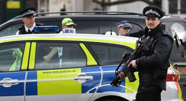 Nhìn lại toàn bộ diễn biến vụ khủng bố táo tợn ở Anh