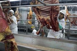 Quyết định ngừng nhập khẩu thịt từ Brazil