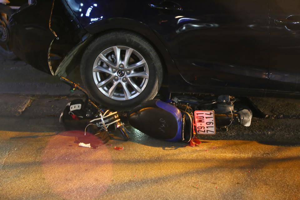 tai nạn giao thông, xe điên đâm liên hoàn, Hà Nội, xe 4 chỗ mất lái
