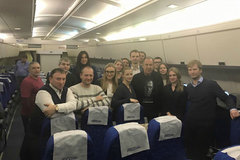 Ngoại trưởng Nga mừng sinh nhật giữa không trung