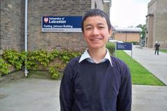 Thần đồng Toán học 14 tuổi làm giảng viên