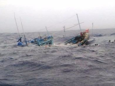 Tàu cá bị đâm chìm, 6 ngư dân kêu cứu giữa biển