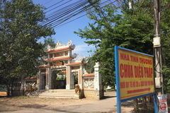 Rơi nước mắt chuyện cô sinh viên mang bầu 7 tháng gõ cửa nhà chùa