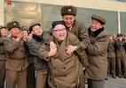 Lộ diện người được Kim Jong Un cõng trên lưng