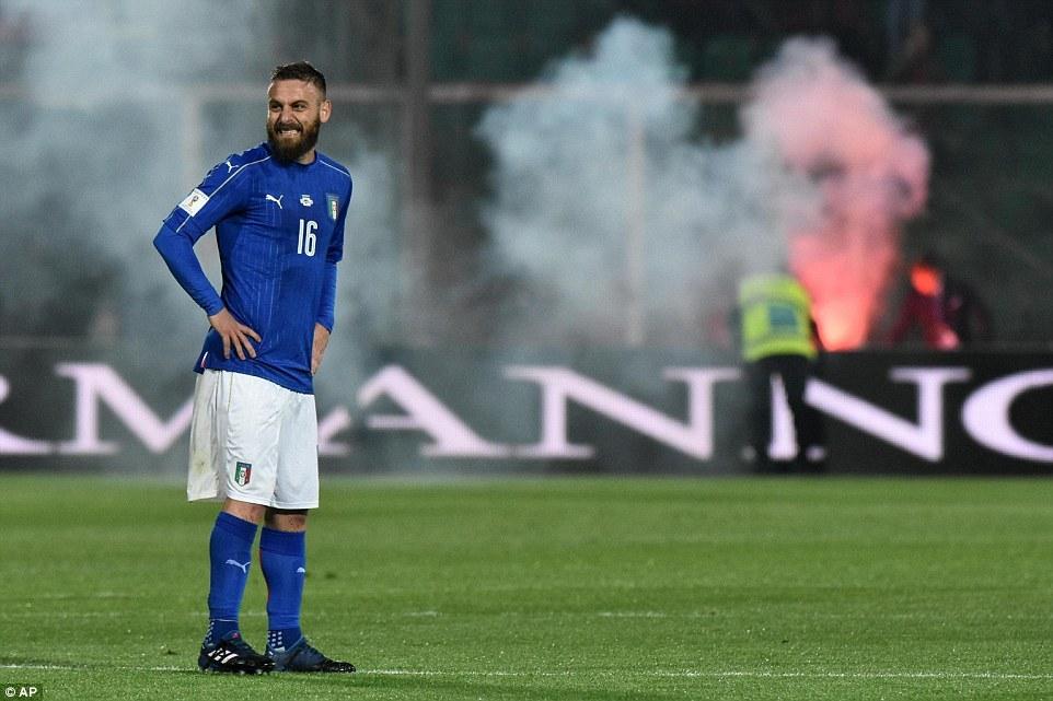 Italia thắng dễ trong ngày Buffon đi vào lịch sử