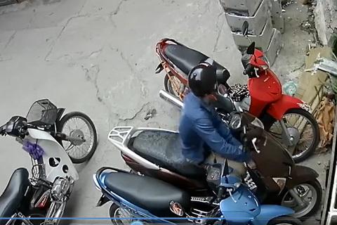 Trộm IC xe Lead trong đúng 1 giây
