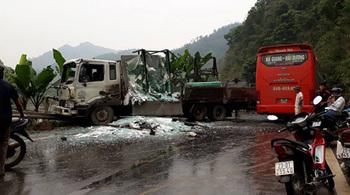 Tuyên Quang: Tai nạn nghiêm trọng giữa xe khách và xe tải