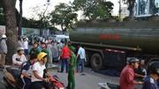 Xe bồn biển số đỏ cán chết người giữa trung tâm Sài Gòn