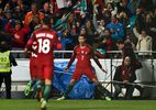 """Ronaldo lập siêu phẩm, Bồ Đào Nha thắng """"3 sao"""""""