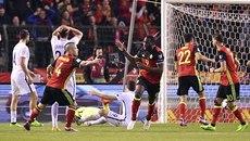Chơi hơn người, Bỉ thoát thua phút cuối nhờ Lukaku
